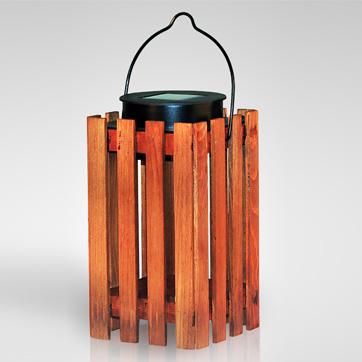 Сонячний дерев'яний ліхтар світло